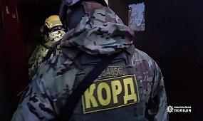 Поліція затримала членів наркоугруповання, які щомісяця збували майже 2000 доз метамфетаміну