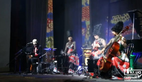 Выступление легендарной группы «ДахаБраха»